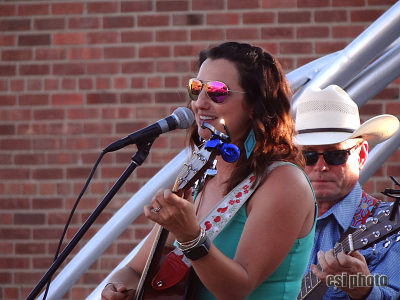 Jessie Veeder at Downtown Arts Market July 18 - CSi Photos
