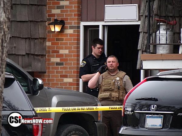 Police respond to SE apartment building - CSi Photos