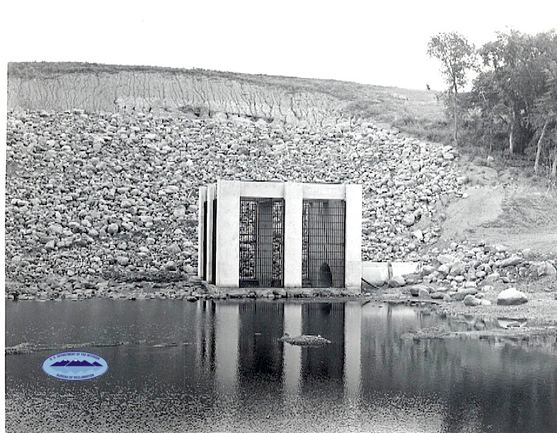 Building the James River Dam circa 1952-1953