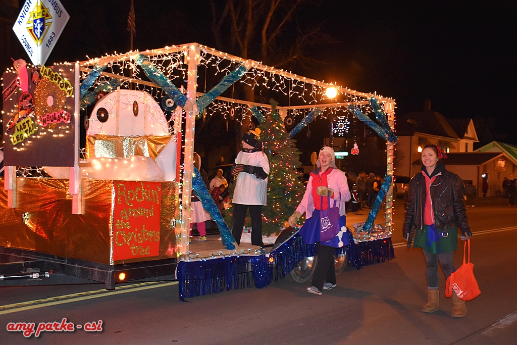Holiday Dazzle on Main Parade 2016 - More photos at Facebook - CSi Photos by Amy