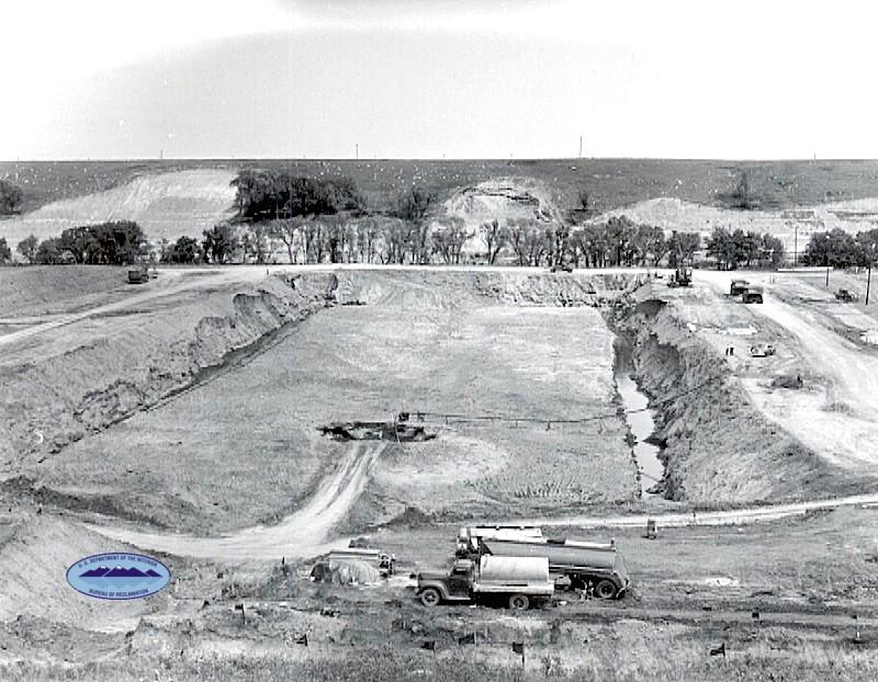 Buiding the James River Dam